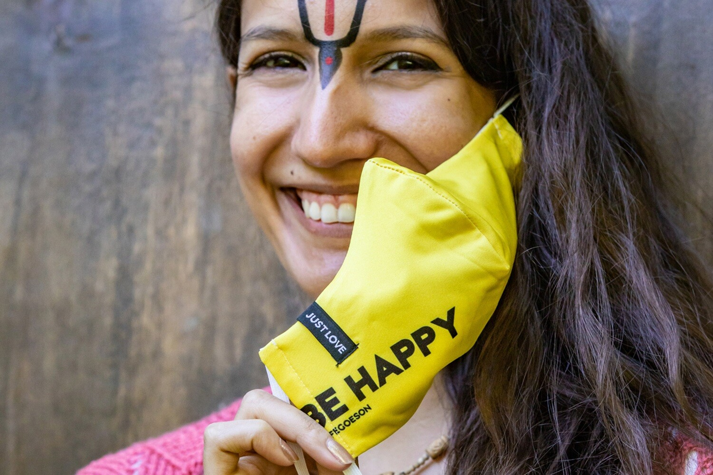 Social Mask 'Be Happy'