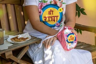 T-shirt 'Sri Radha's'