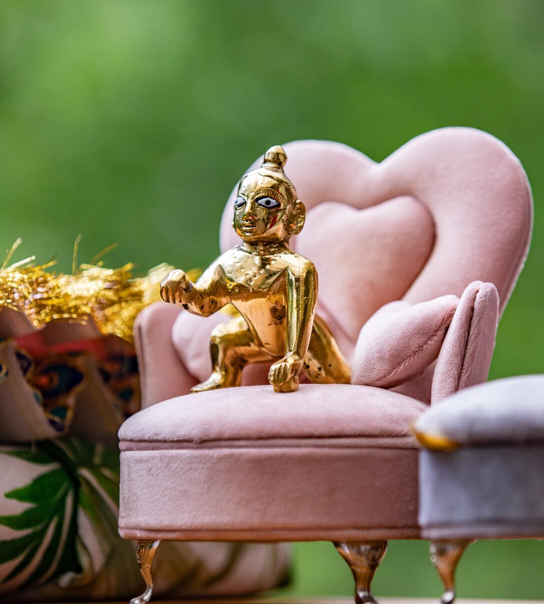 Velvet Singhasan Sofa for Deities