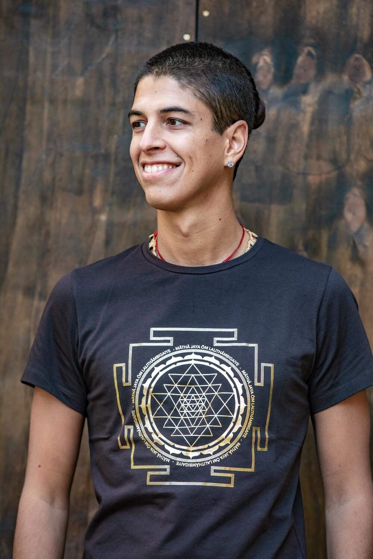 T-shirt 'Sri Yantra' - Brown with Gold Foil Print