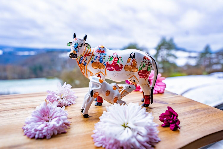 'Kamadhenu Cow with Calf' Decorative Statue