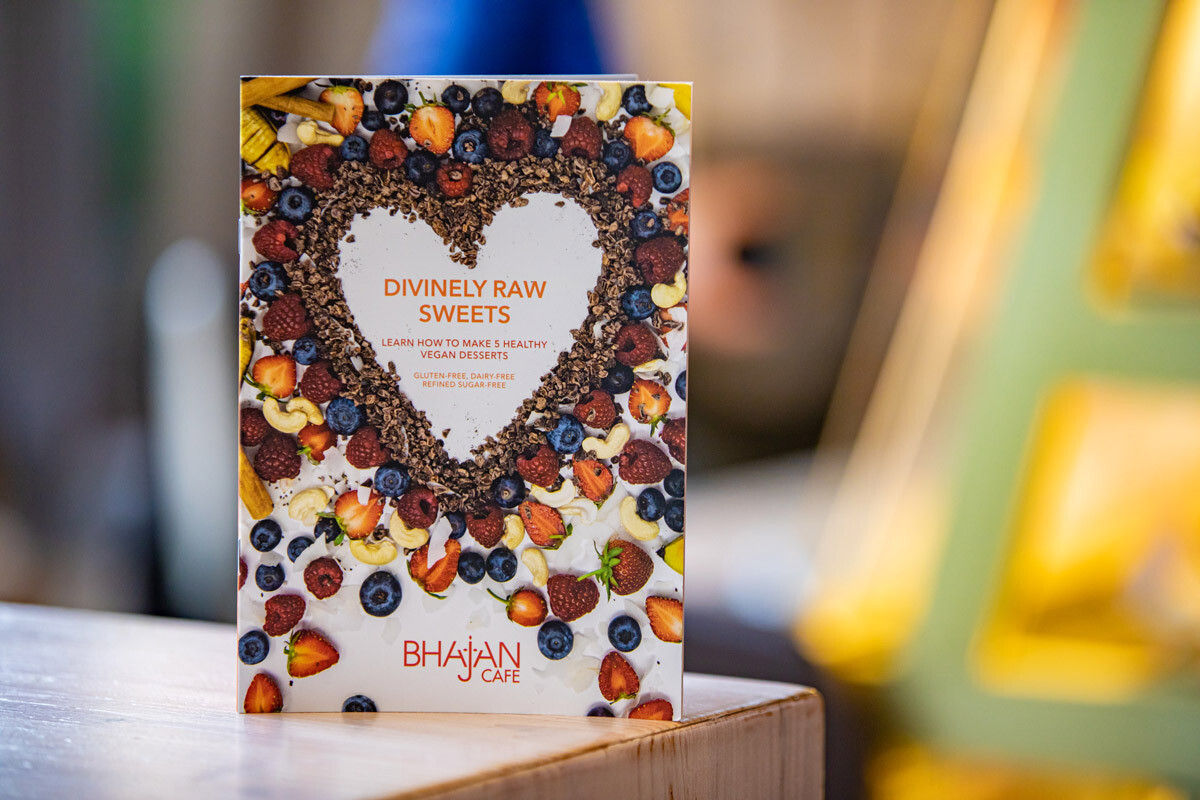 Divinely Raw Sweets, booklet
