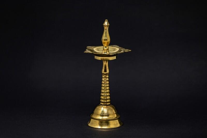 Standing Oil Lamp - Medium