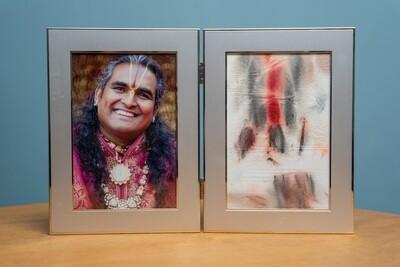 Double Picture Frame - Gurudev's Tilak (Wide Border)