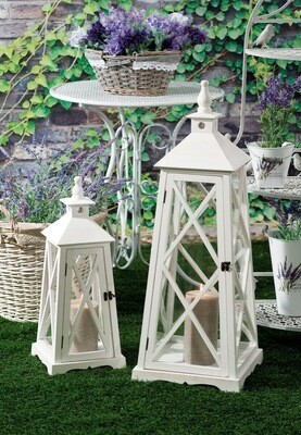 Set 2 lanterne portacandela in legno -  - cm. 22,5 x 22,5 x h. cm. 56 / cm. 31,5 x 31,5 x h. cm. 85,5