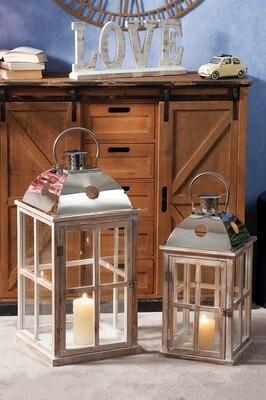 Set 2 lanterne portacandela in legno e metallo - naturali - cm. 26 x 26 x h. cm. 53 / cm. 32,5 x 32,5 x h. cm. 66