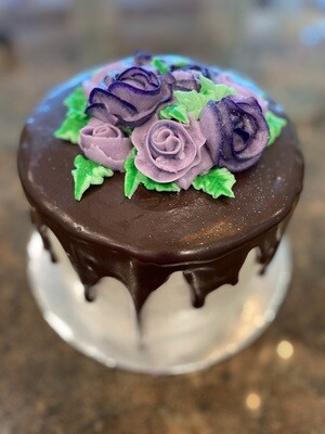 Buttercream Cake with Drip Icing