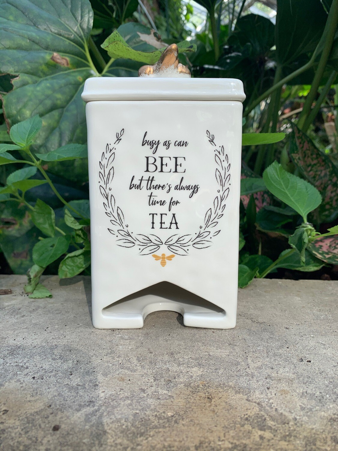"*""Busy As Can Bee"" Tea Dispenser"