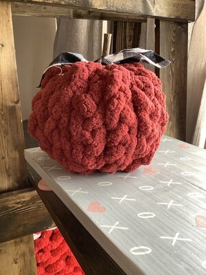 Chunky Knit Pumpkin: Braided