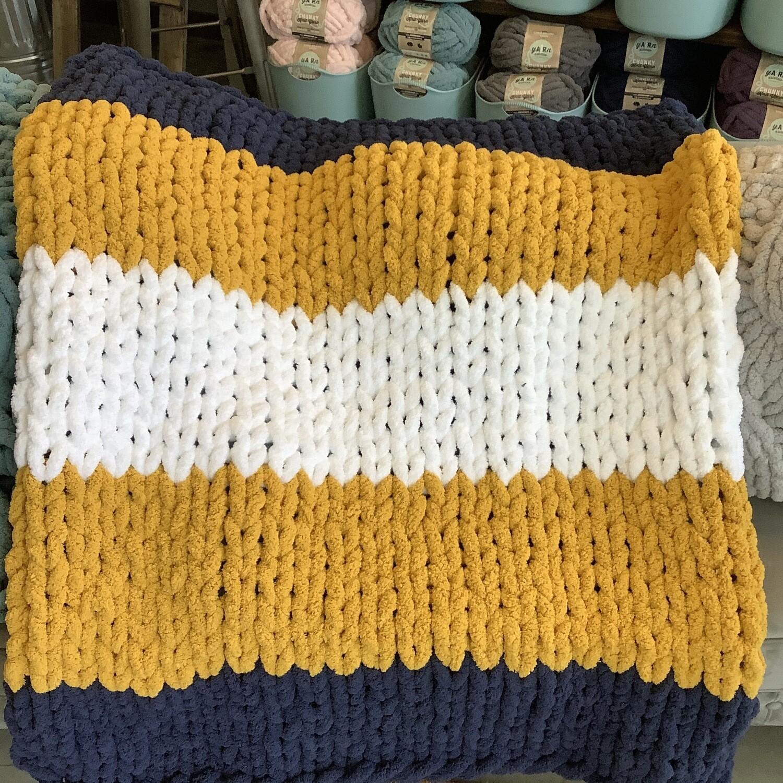 Chunky Knit Blanket: Navy/Mustard/White