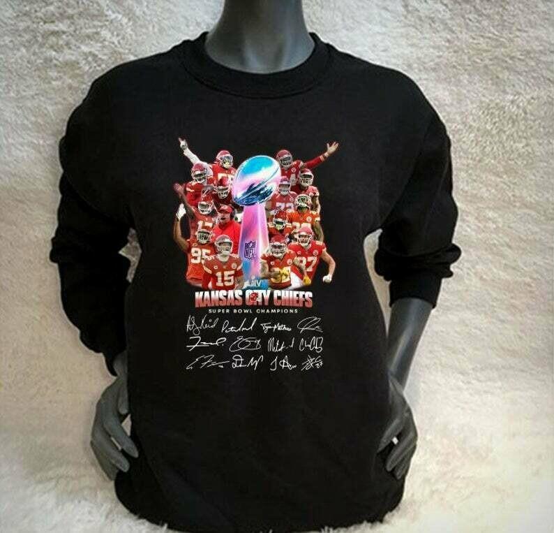 Love Kansas City Chiefs Super Bowl 54 2020 LIV Champions February 2 2020 Miami Mahomes NFL Football Team Dad Mon Kid Fan Gift T-Shirt