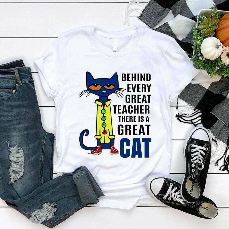 Teacher shirt Behind every great teacher there is a great cat shirt teacher cat gift for teacher teacher mom unisex t-shirt