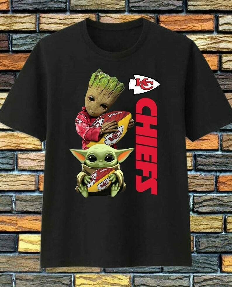 Kansas City Chiefs Groot Baby Yoda Star Wars The Mandalorian The Child First Memories Floating Football Team Dad Mon Kid Fan Gift T-Shirt