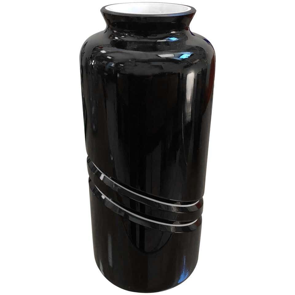 De Majo Mid-Century Modern Black and White Murano Glass Vase, circa 1970