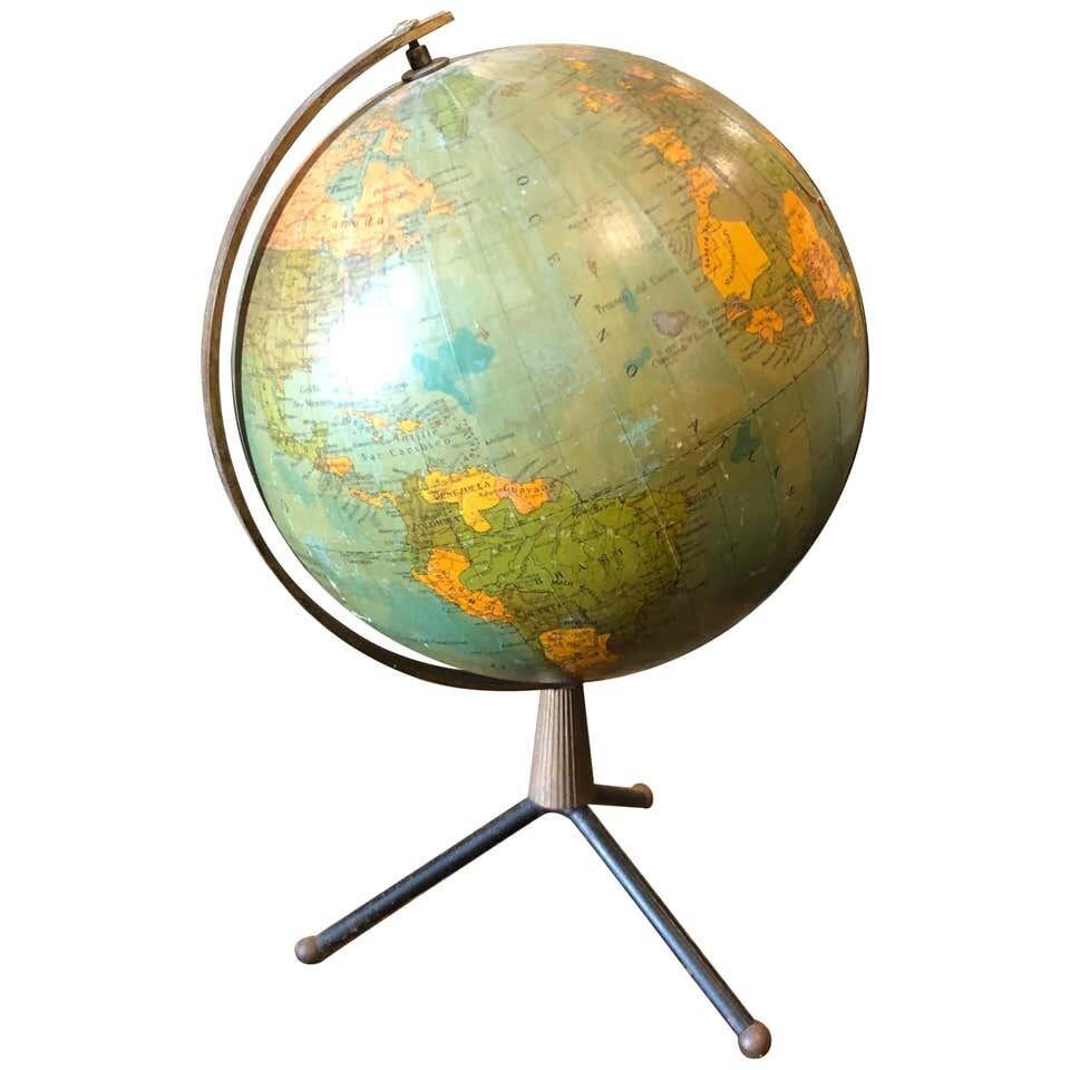 Mid-Century Modern Brass and Bakelite Italian Globe Table Lamp, circa 1950