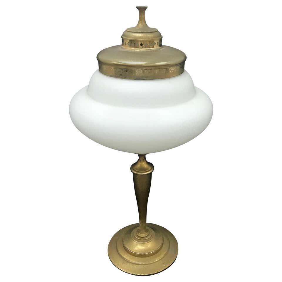 Mid-Century Modern Italian Table Lamp by Guglielmo Ulrich, circa 1950
