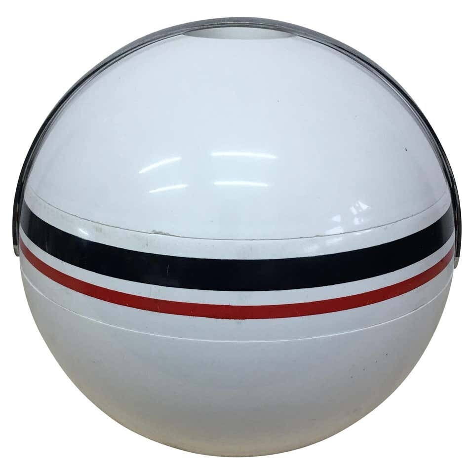 Paolo Tilche Iconic Guzzini Space Age Ice Bucket, circa 1970