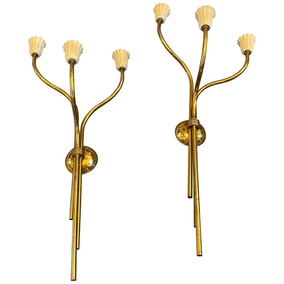 Mid-Century Modern Set of Two Brass Wall Sconces in the Manner of Pietro Chiesa