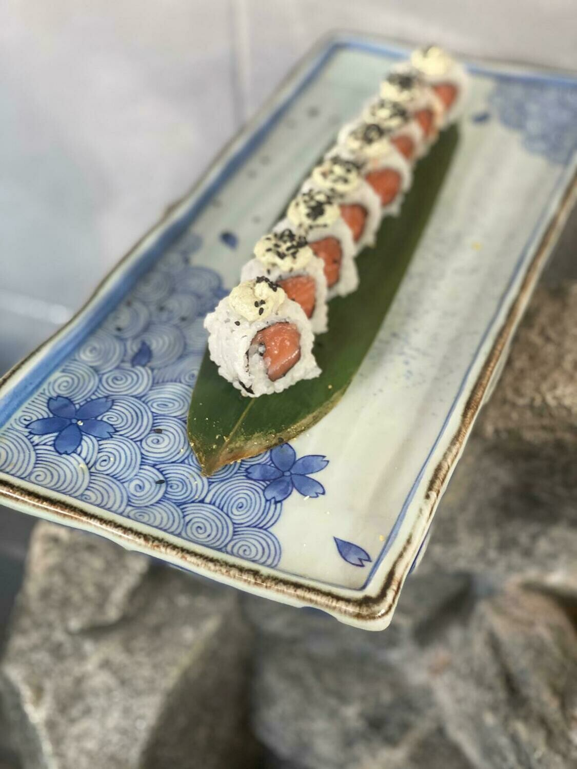 Uramaki Filetto di Salmone e Menta