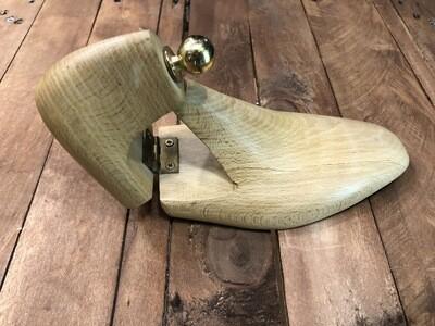 Tendiscarpe in legno di faggio fatte a mano