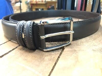 Cintura in pelle di vitello doppio strato.