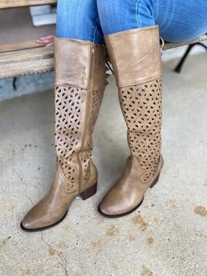 Gabbie Natural Distressed Boot