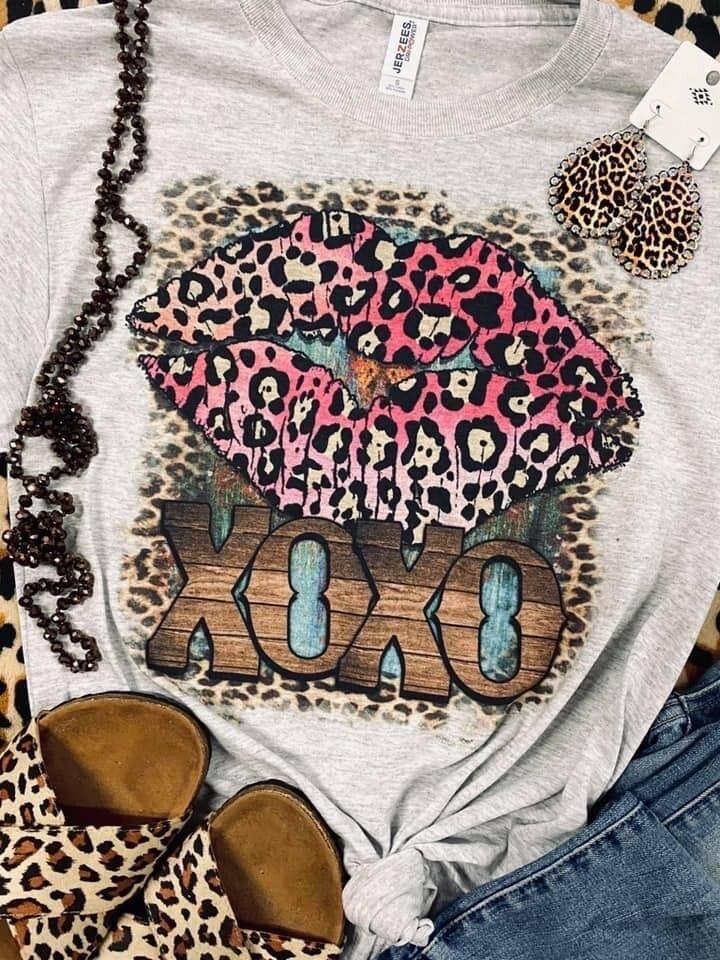 XOXO Leopard Lips Tee