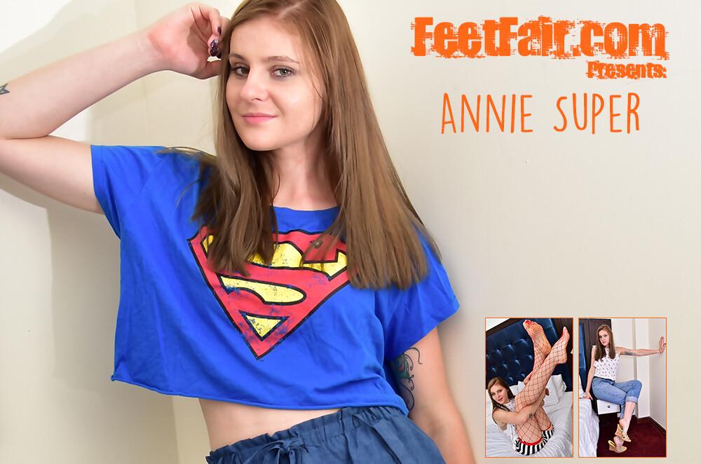 Annie Super (V)