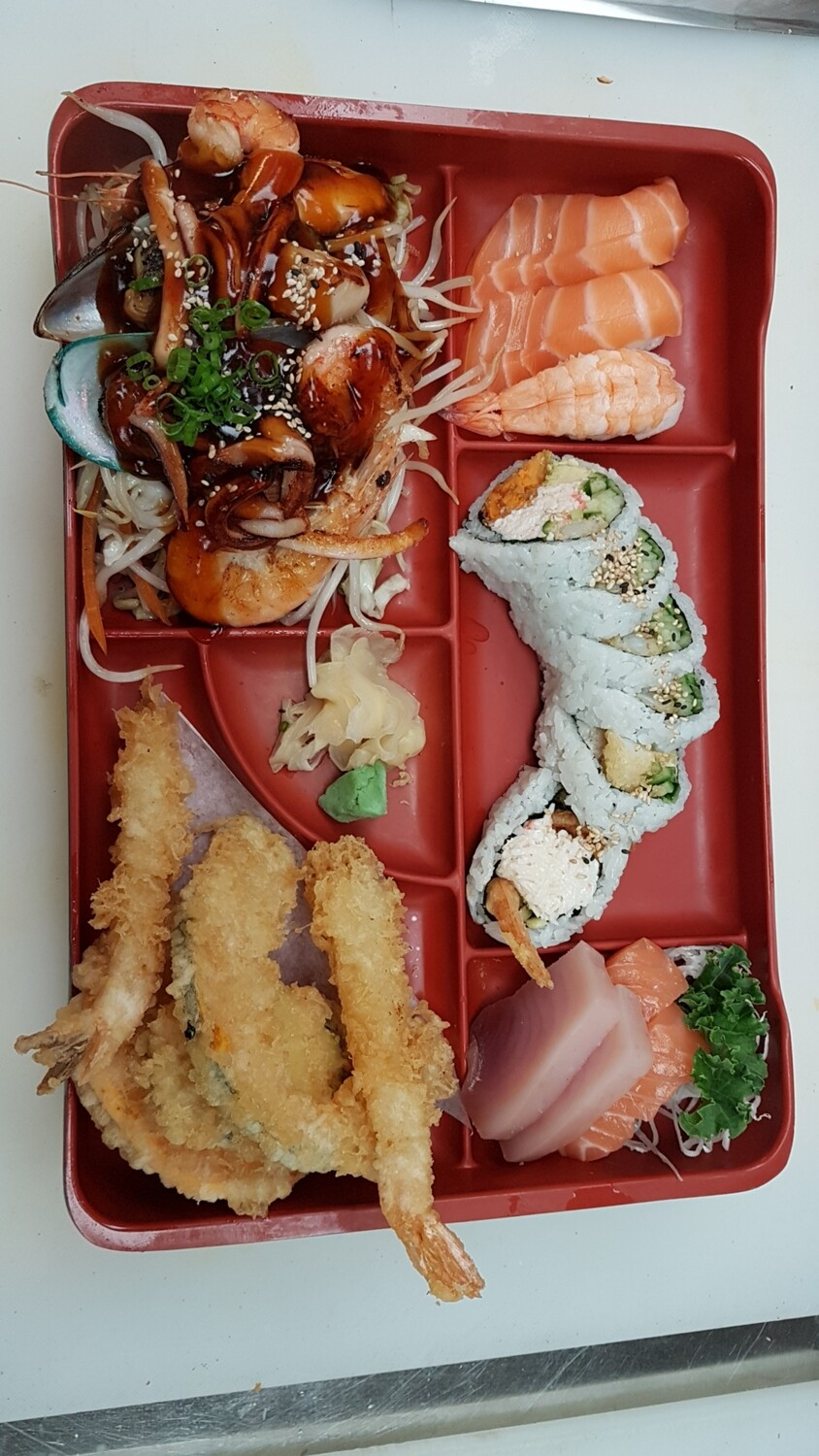 Deluxe Seafood Bento