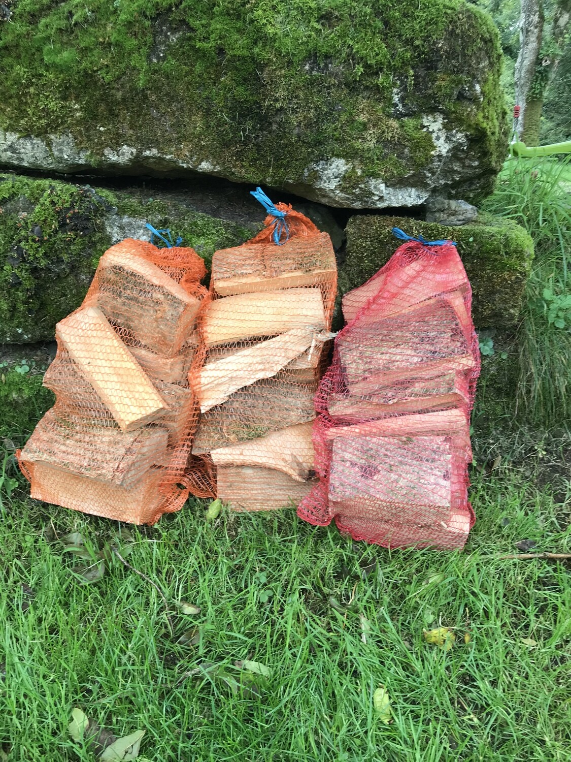 Quality SEASONED Logs & Kindling Nets