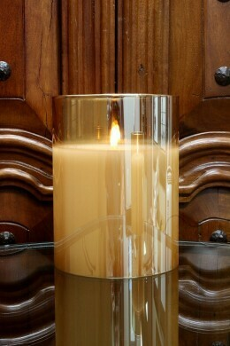 Radiance Poured Champagne Candle 5.75