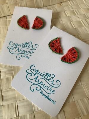 Coquette's Armoire aretes sandías media luna tejidos a mano en fibra de junco