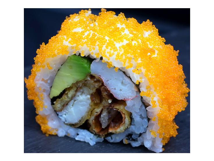 Mighty Spider: soft shell crab | avocado | snow crab | mayo | avocado | fishroe | sesame | wasabi (5pcs)