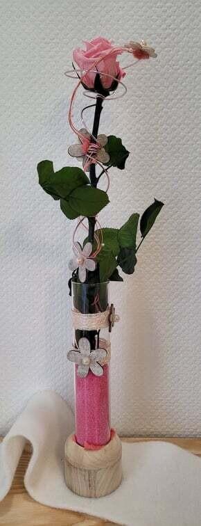 Rose éternelle rose en hauteur, grand modèle