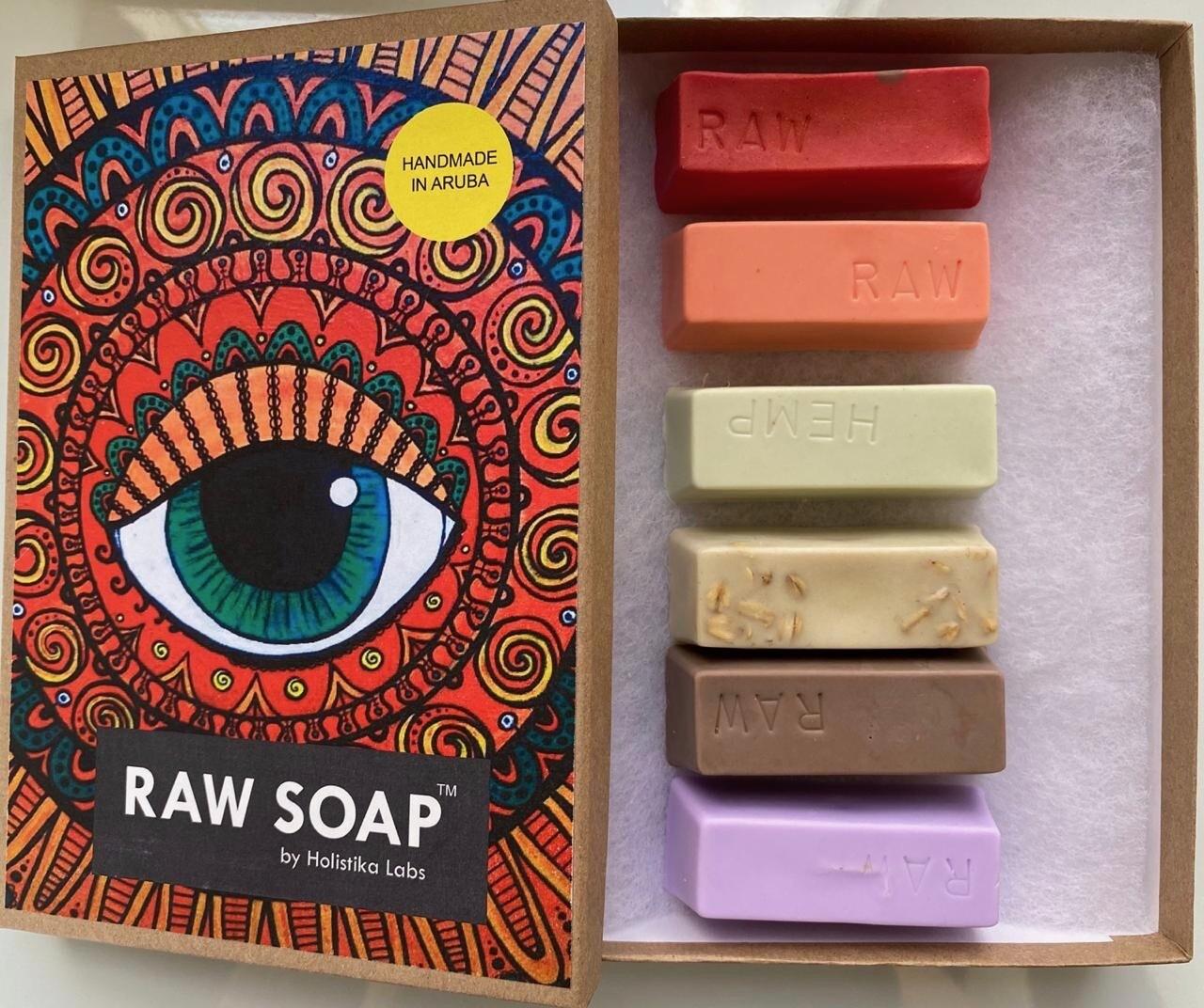 RAW Soap Holistika 'Majestic Eye'