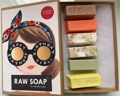 RAW Soap Holistika 'Happy Birthday Girl'