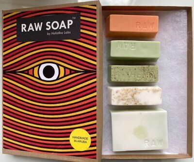 RAW Soap Holistika 'Enchanting Eye 1'