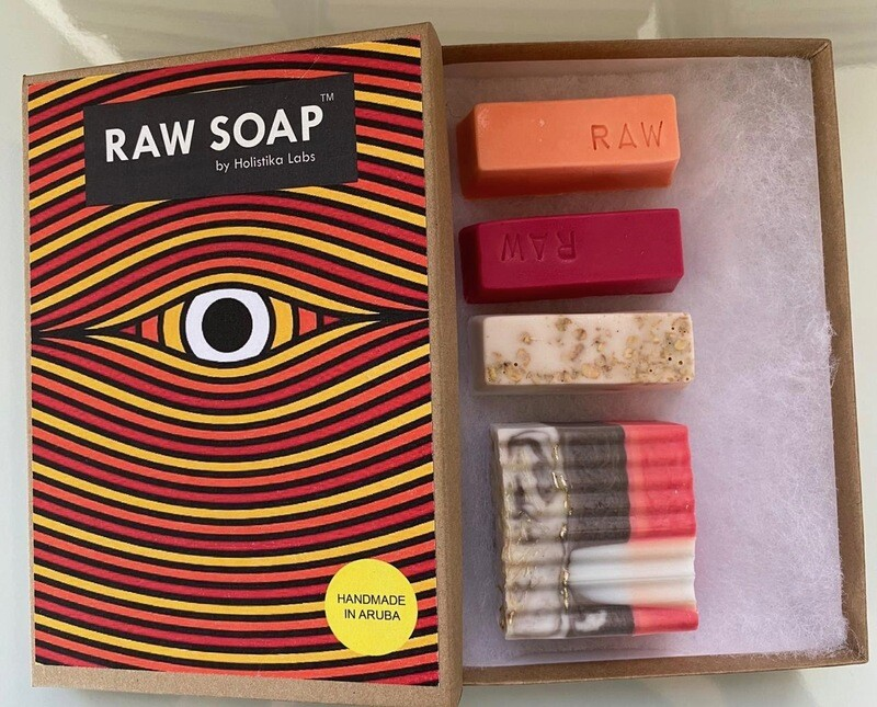 RAW Soap Holistika 'Enchanting Eye 2'