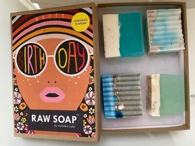 RAW Soap Holistika 'Happy Birthday Diva'