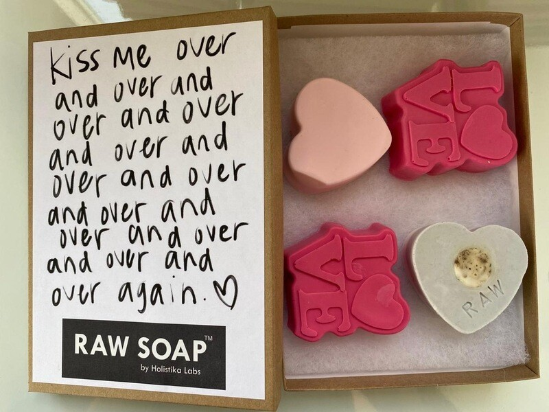 RAW Soap Holistika 'Kiss Me Over & Over 2'