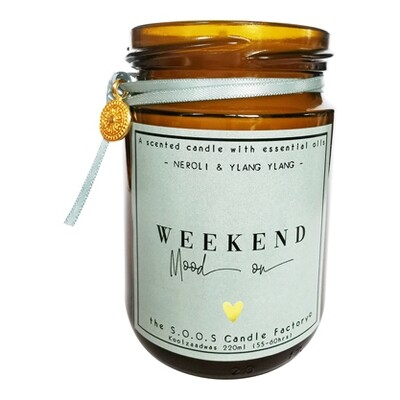 The Feel Good Candle: Weekend mood on