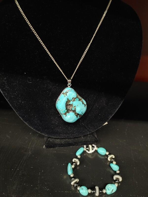 Turquoise Necklace and Bracelet 2 pc. set.