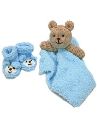 Newborn baby bootie and comforter giftset