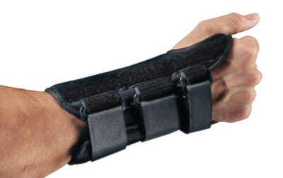 Wrist Splint ProCare® ComfortForm™ Palmar Stay Aluminum / Foam / Lycra Left Hand Black Medium