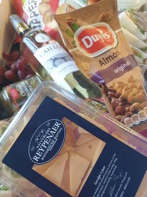 Highwine party-pakket (fles huiswijn met 9 hapjes) per pakket
