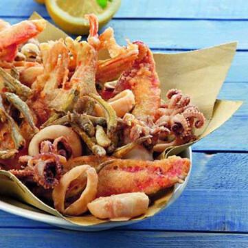 Fritto di Calamari, gamberi e Verdure