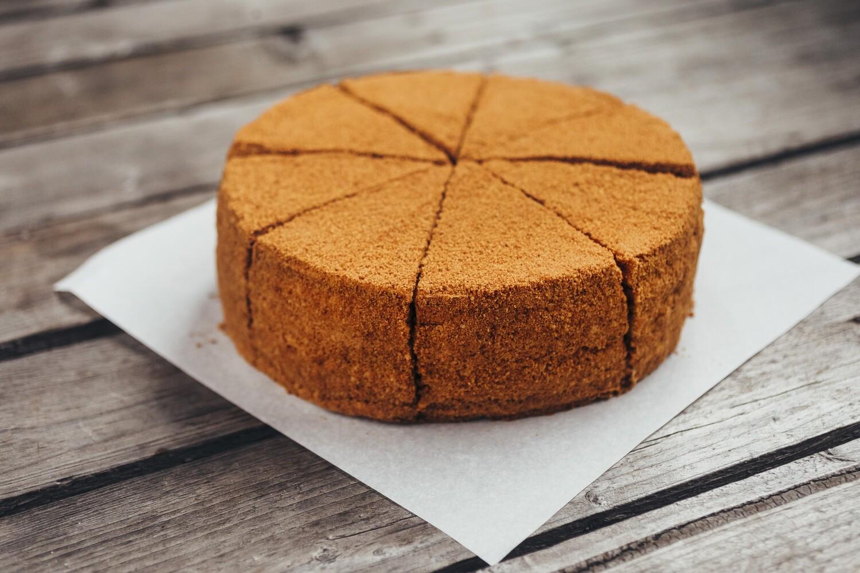 Торт Медовик ( 880гр целый)