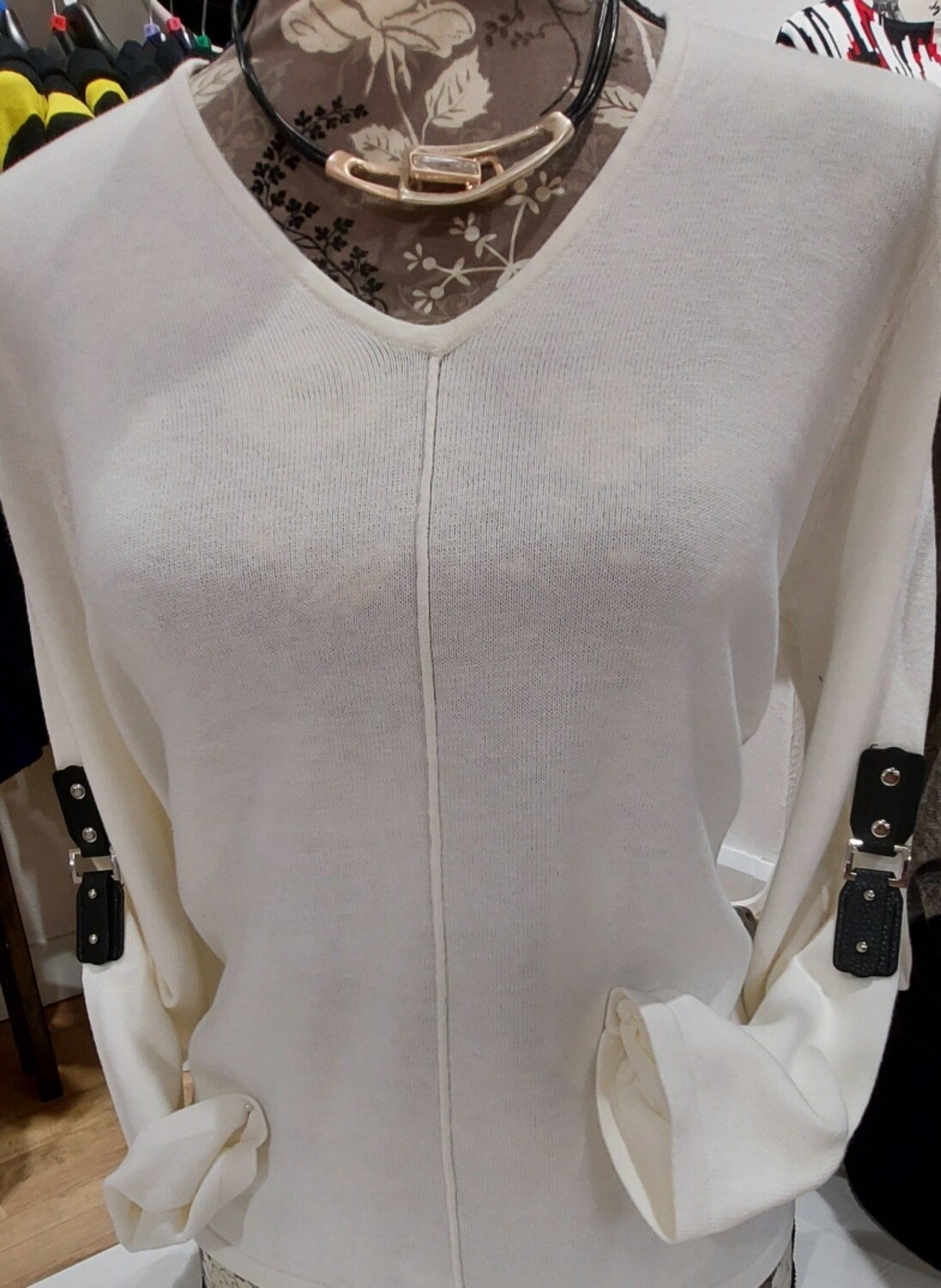 V neck with Detail on Sleeve