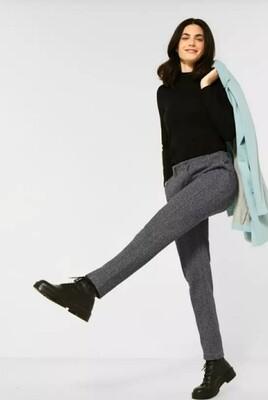 Casual fit herringbone trousers