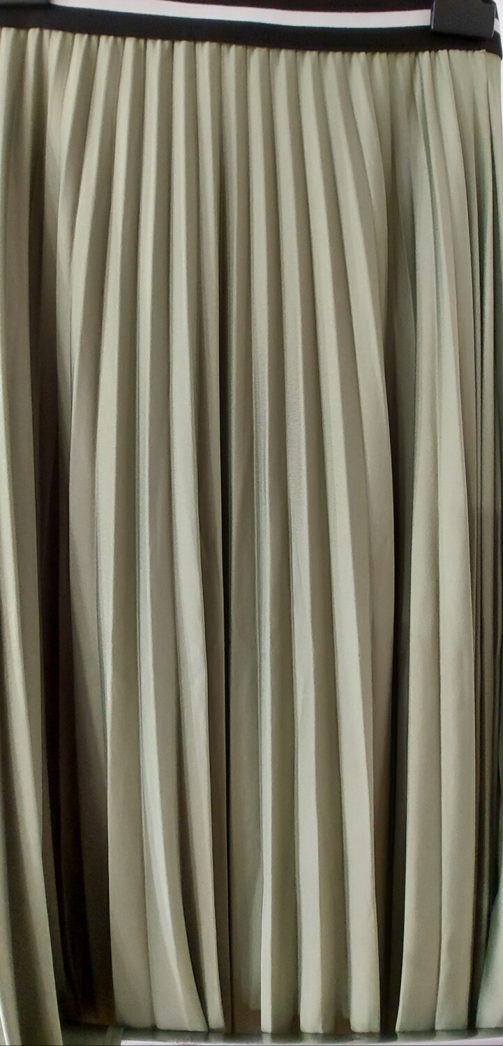 Pleated skirt in Green